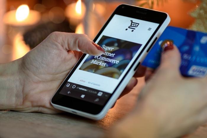 Shopping per Handy: Trend zum mobilen Einkaufen ist ungebrochen