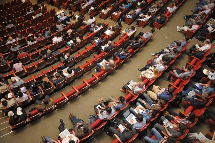 Erfahren Sie, wie Sie online wachsen und skalieren können – in der Rewise Conference 2019